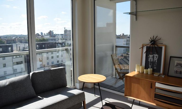 1 Bedroom Apartment In Canary Wharf Londra - Soggiorno Low ...